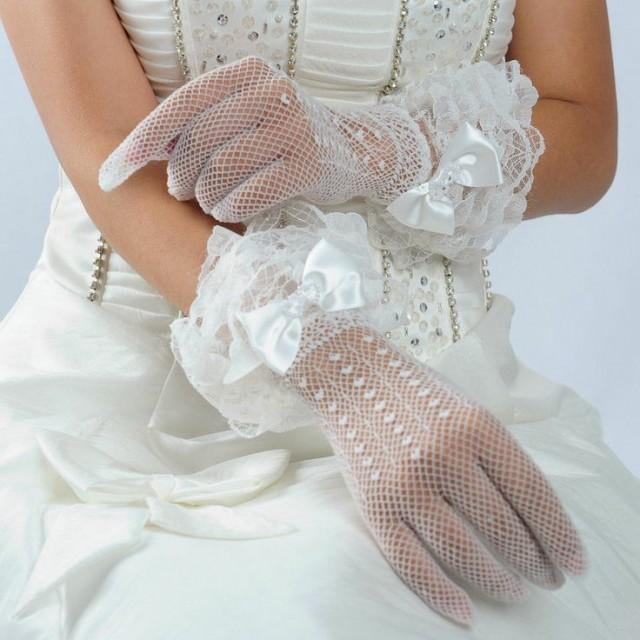Ivory Lace Ladies Short Bridal Wedding Gloves Wrist Length ... - photo #18