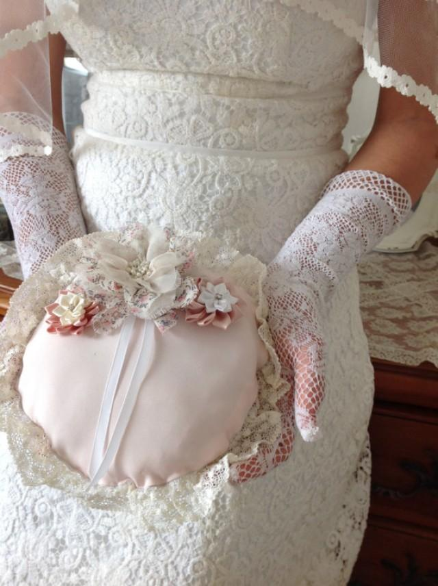 Wedding Gifts Bridal Ring Pillow For Carrying The Ring 2260963