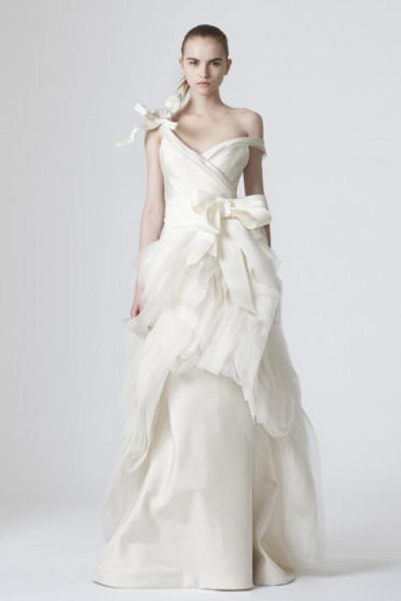 Vera wang vera wang robe de mariage devon 794977 weddbook for Meilleures robes de mariage vera wang